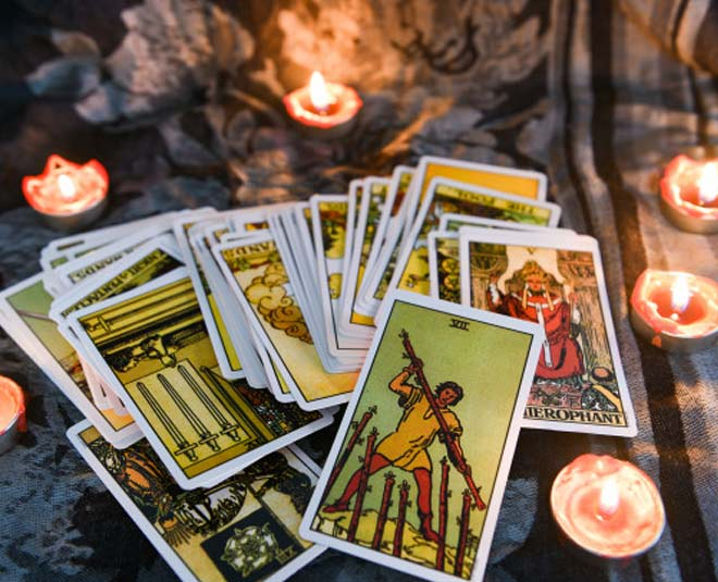 Online Card Reading Sites – Are They Worth the Hype?
